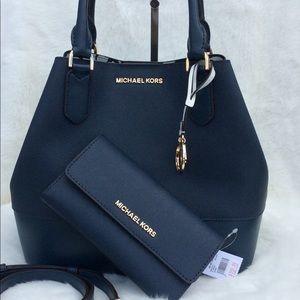 2pcs Michael Kors trista LG Grab Bag